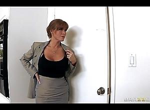Hawt big-tit redhead milf mademoiselle colporteur fucks ...