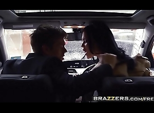 Sexually excited milf teacher (Jasmine Jae)  fucks the brush younger pupil - BRAZZERS