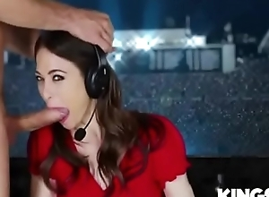 Riley reid at hand its showtime