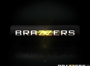 Brazzers.com - glum with an increment of stingy - )demi lopez, gia paige) - thats my show one's age strumpet