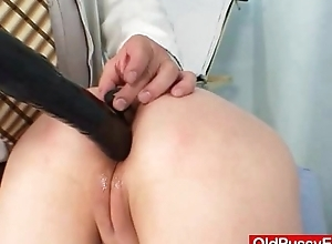 Unskilled dirty slut wife nada visits her gyno medico