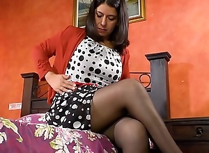 LatinChili Big Grandma Sex-toy Invective