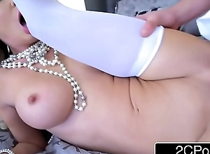 Reproachful MILF Jessica Jaymes Gets Pounded