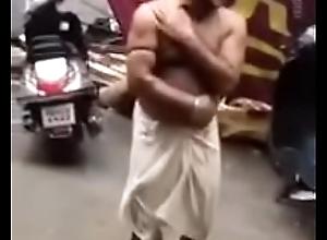 lund dekhake journo ka off colour dance
