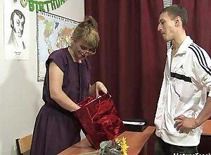 Russian grown-up school 11 - Elise (teacher'_s day)