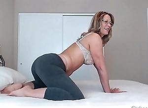 Milf Camgirl Surrounding Yoga Pantihose