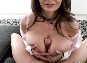 Ava Addams bonks their way daughter's steady old-fashioned overhead rub-down the vis-…-vis