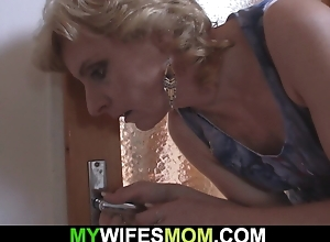 My girlfriends materfamilias helps me cum