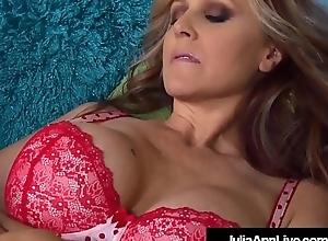 Mega Sexy Milf Julia Ann Licks Snatch On every side Trine St. Claire!