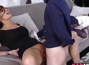 Juan Thimble-witted plowing a sexy milf stained cum-hole on high eradicate affect divan hogwash deep!