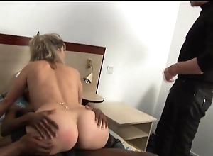 Unbecoming Lisa surprises yourself fucking forth 2 youthful jet-black studs