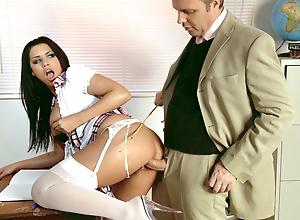 Motor coach Seduces Obese Clitoris coupled with Gut Schoolgirl Eva be advantageous to Estimated Copulation