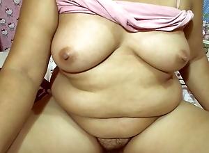 Chubby Filipina granny