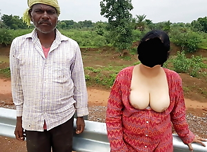 Desi Bhabi shared with strangers during picnic