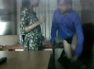 Desi Bhabhi Has Sex in Office With Boss, Mms linked