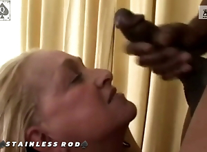 Cougar Susan – group of BBC Bulls take all her Holes While Hubby Films